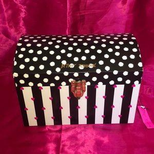 RARE Betsey Johnson Large Storage Trunk Box NWT